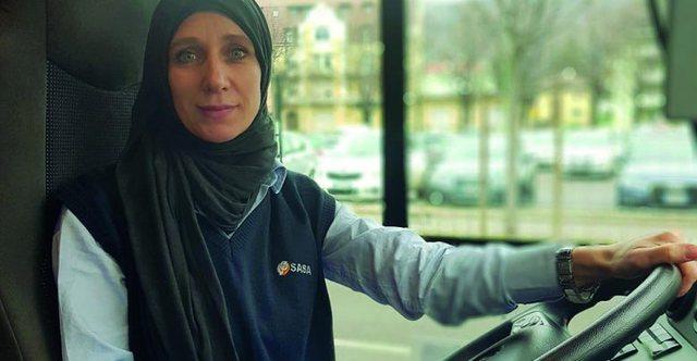 """""""Me shami dhe shofere autobusi në Itali"""", njihuni me Bukurien, shqiptaren nga Kavaja"""