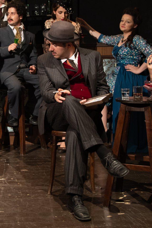 """""""Pikaso dhe Ajnshtajn në një bar në Paris"""","""