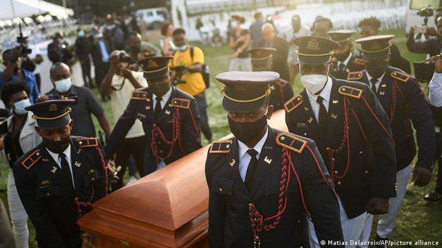 Haiti varros Presidentin e vrarë Jovenel Moise ndërsa kaosi mbulon