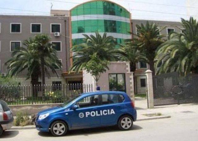 LAJMI FLASH/ Sherr me thika në një lokal në Durrës,