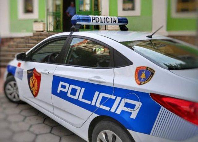 EMRI/ Drejtori i bashkisë Gjirokastër goditet me lopatë,