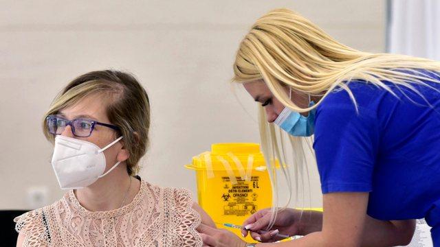 Mali i Zi merr dozat e para të vaksinës Pfizer/BioNTech