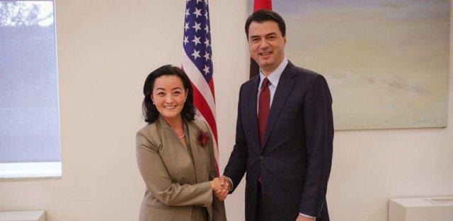 Basha takim me delegacionin nga Senati Amerikan, e pranishme dhe Yuri Kim