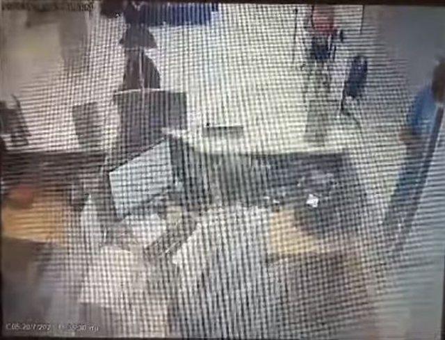 Ishte arratisur nga burgu/ I maskuar dhe me armë, mediat greke