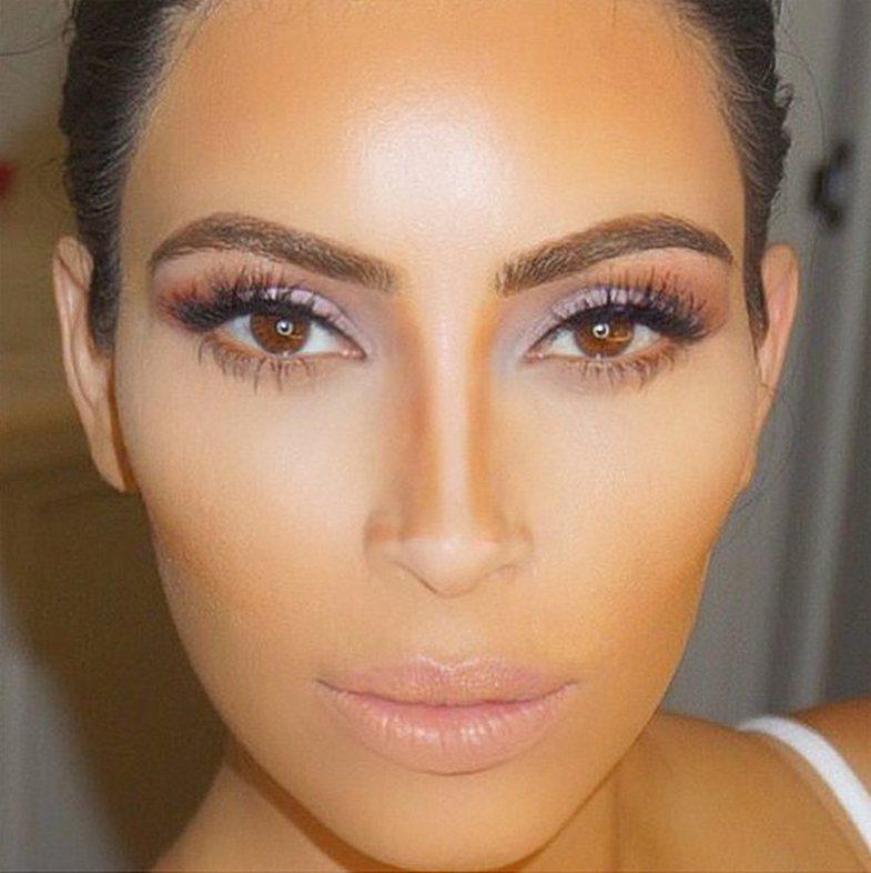 Hunda e përsosur e Kim? Kështu realizohet me makeup!