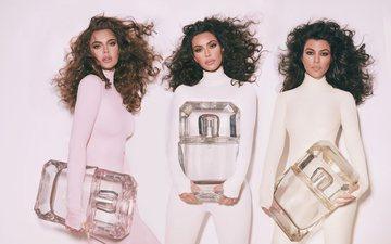 Ç'parfum përdorin motrat Kardashian