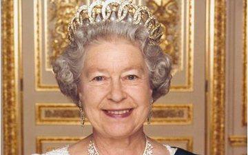Ja si bizhuteritë e mbretëreshës Elizabeth shkëlqejnë