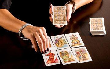 Si mund të lexoni vetë në shtëpi letrat tarot