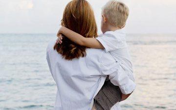 Historitë tuaja: 'Letër për birin tim të vogël,