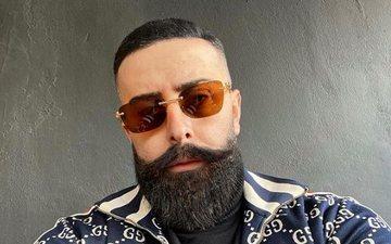 Getoar Selimi poston foto pa mjekër, pa syze dhe duke qeshur!