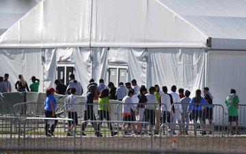 SHBA: Nuk mund të gjenden prindërit e më shumë se 500