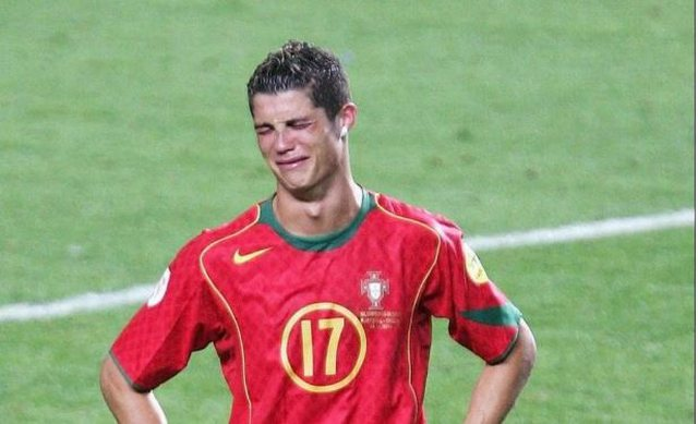 0d15c1526 Why does Cristiano Ronaldo ever have a short sleeve shirt  - Sport