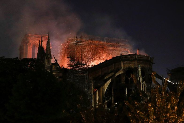 Shansi i fundit për të shpëtuar Notre-Dame