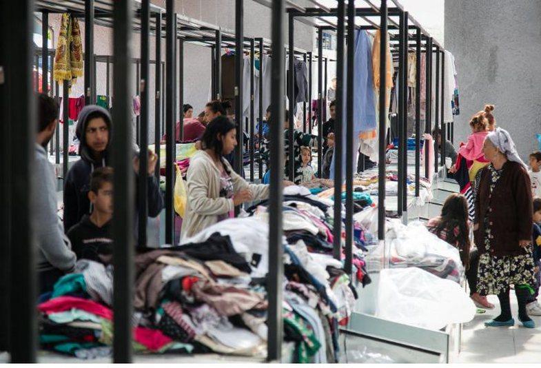 Hapet në Tiranë tregu i parë publik i rrobave të