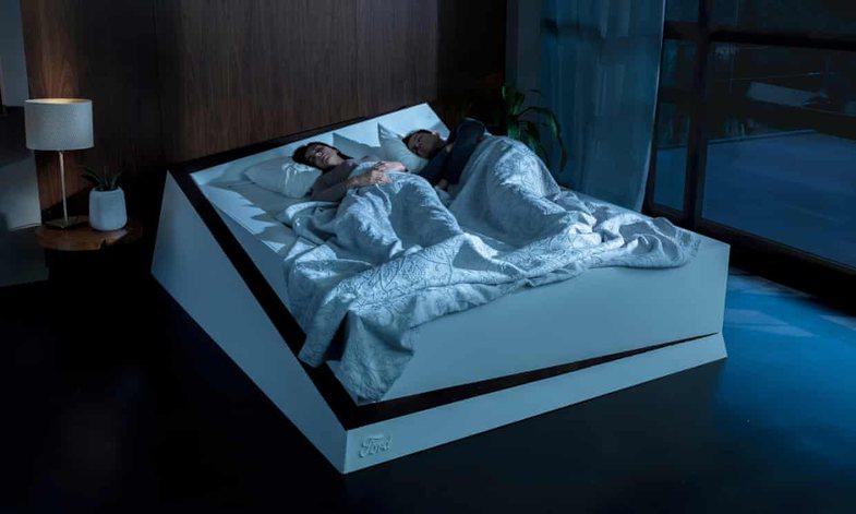 Mos vallë çiftet duhet të flenë veç e veç?