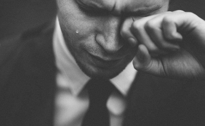 Rrëfimi i një djali shqiptar: 'Këtë sekret, isha