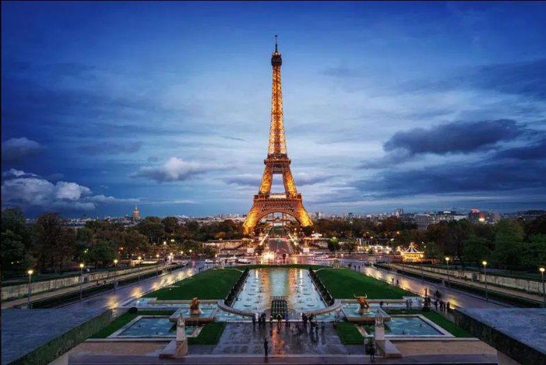 Pse është e jashtëligjshme të fotografosh kullën Eiffel