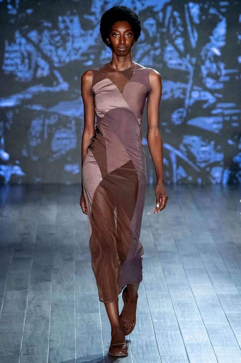 Treshja avantgarde mahnit New York Fashion Week