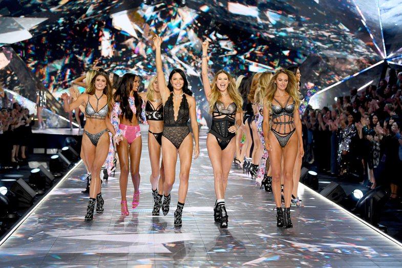 Ndryshimi mes Savage X Fenty & Victoria's Secret