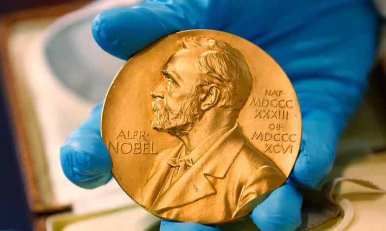 Pas skandalit të vjetshëm, sot do të jepen dy çmime Nobel