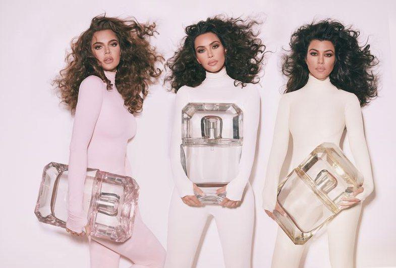 What perfume the Kardashian sisters use