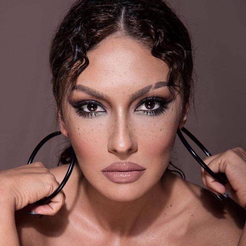 Adelina Ismaili shpërthen ndaj 2 këngëtarëve: 'Vjedhin