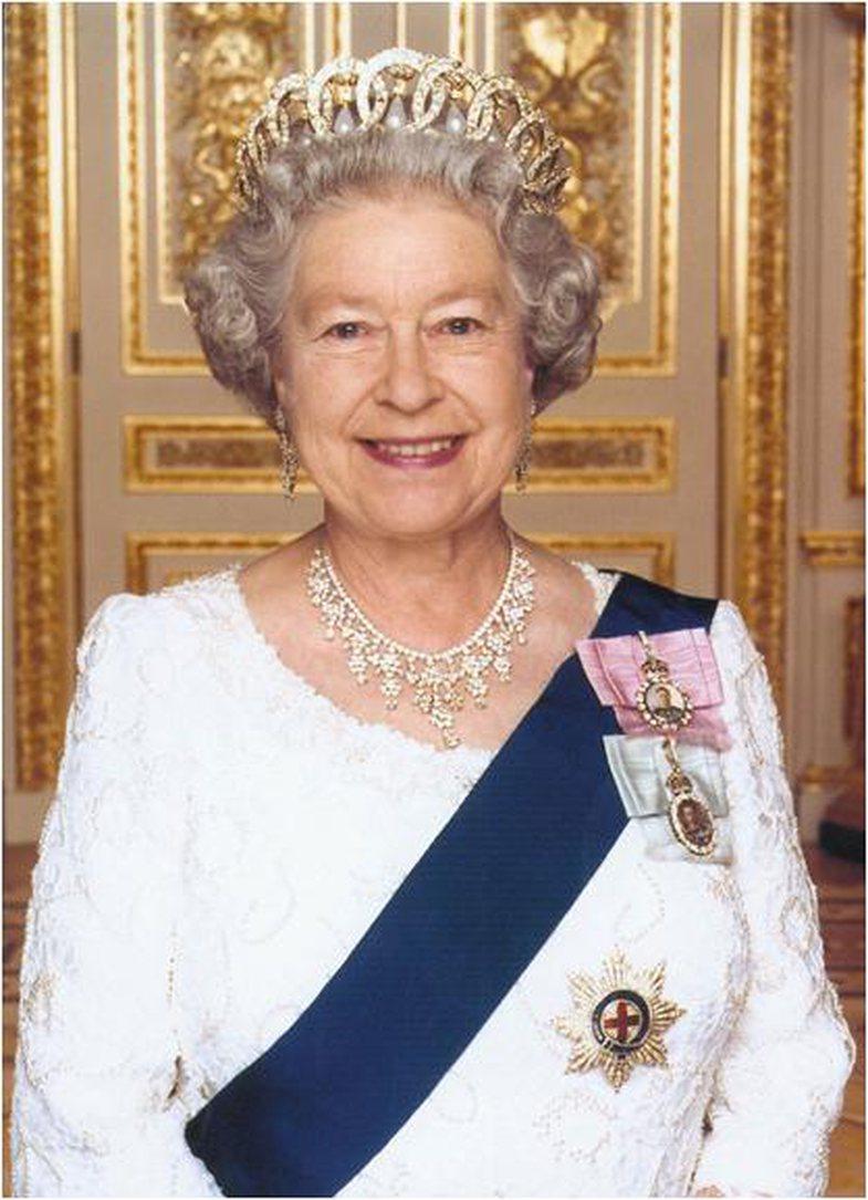 Here's how Queen Elizabeth's jewels always shine