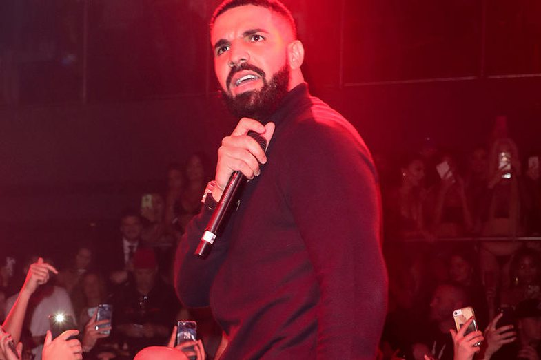 Fans kicked out of the concert: Drake turns it worse!
