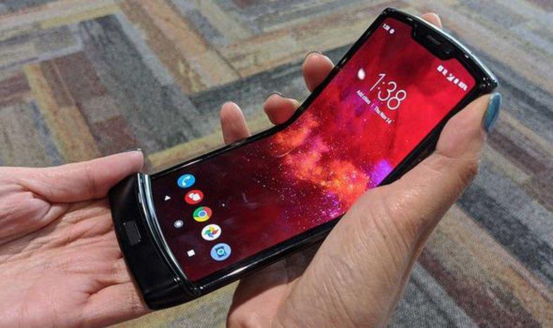 Ky telefon i ri do t'ju nxjerrë mallin e Motorola-s me kapak