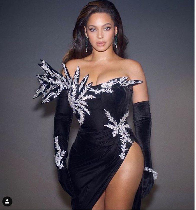 Dizajnerët sqarojnë se fustani i Beyonce-s nuk kushton 6000 euro!