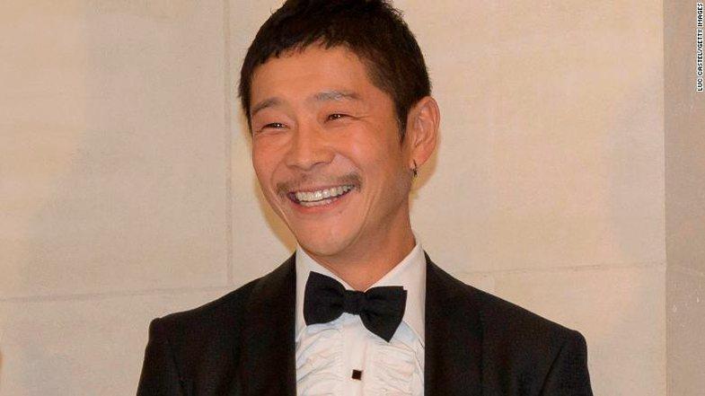 Miliarderi japonez po kërkon një 'shoqe jete' që ta