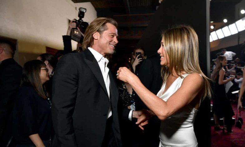 Pse u fiksuam kaq keq me këto foto të Brad Pitt dhe Jennifer Aniston?