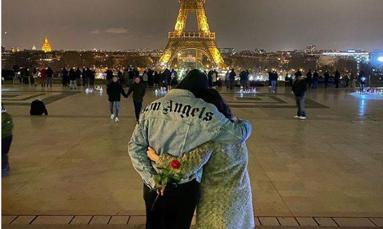 Capital T tradhton me dhjetëra vajza me foton romantike në Paris