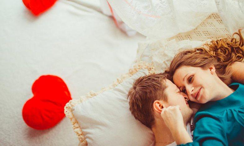 8 pozicione seksi perfekte për Shën Valentin