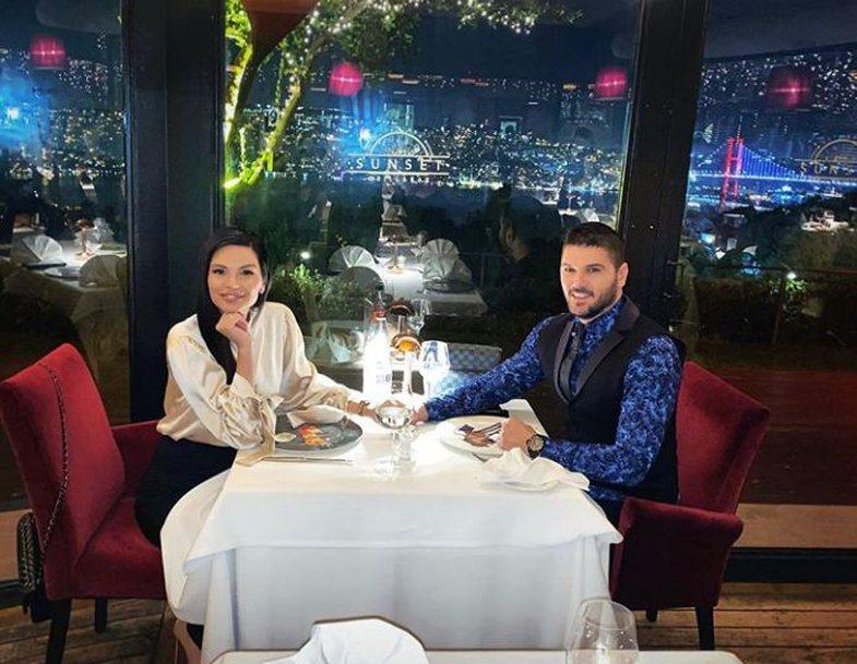 Gëzuar Shën Valentinin nga VIP-at shqiptarë!