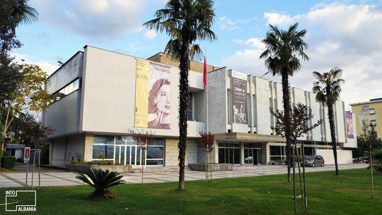 6 vende për t'u vizituar sot në Tiranë, në ditën