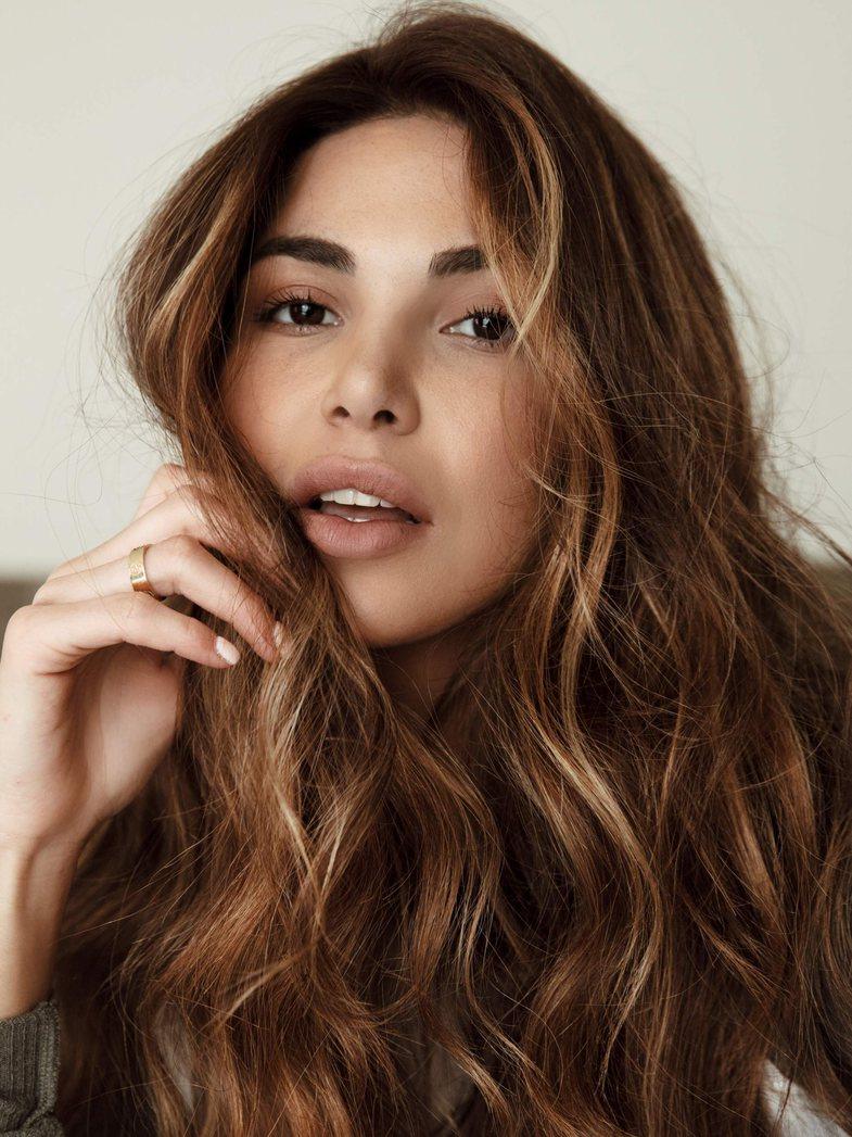 5 sekrete që duhet t'i dini para se të lani flokët sot
