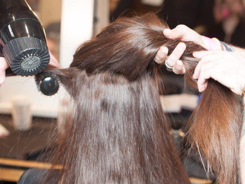 Si ta kuptoni që po i lani flokët më shumë nga