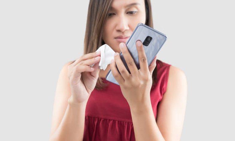 Mënyrat më të sigurta për të pastruar celularin