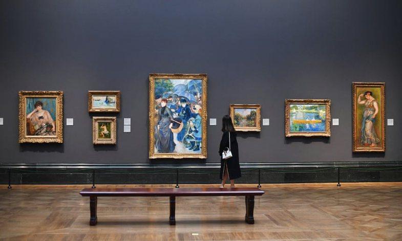 Hajde shkojmë në muze nga divani