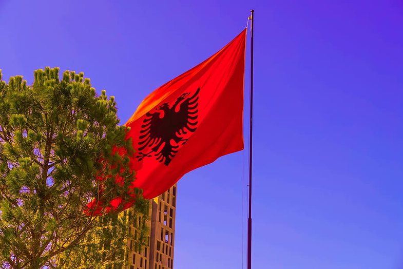 10 gjëra që i gjen bashkë vetëm në Shqipëri
