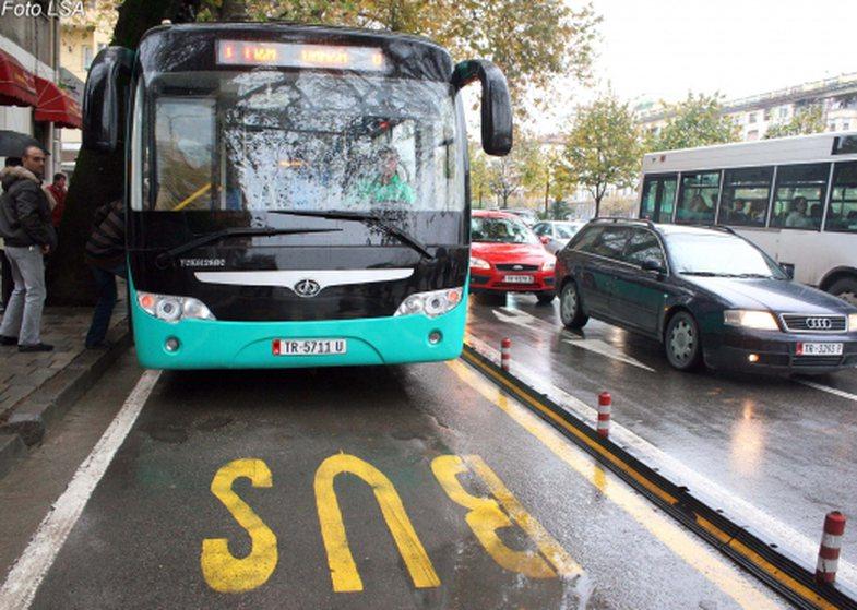 Harrojeni radhën dhe grumbullimet: Detajet e reja rreth transportit publik