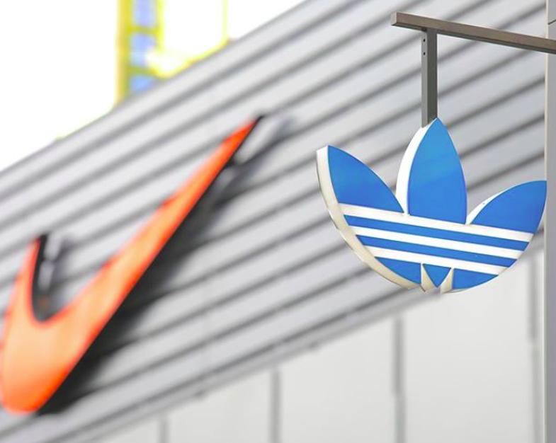 Vdekja e George Floyd bashkon rivalët legjendarë Nike dhe Adidas