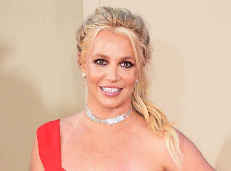 Njerëzit janë të bindur që diçka nuk shkon me Britney