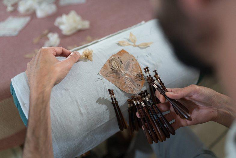Daton në shekullin XV: Dior përdor në sfilatë teknikën