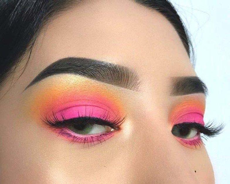 Trendet e makeup-it që duhet t'i provoni patjetër këtë