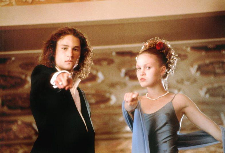 Filma nga vitet '90-të që sot mund t'i shihni bashkë me