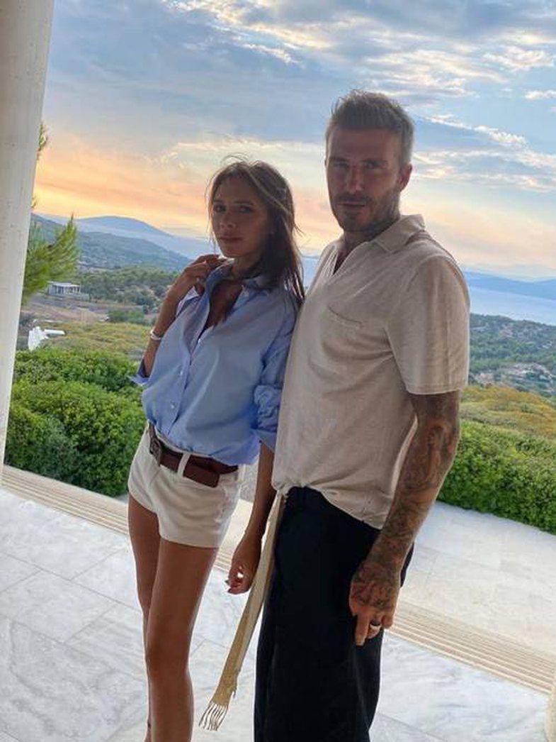 Kur të vishni pantallona të shkurtra, vishini si Victoria Beckham