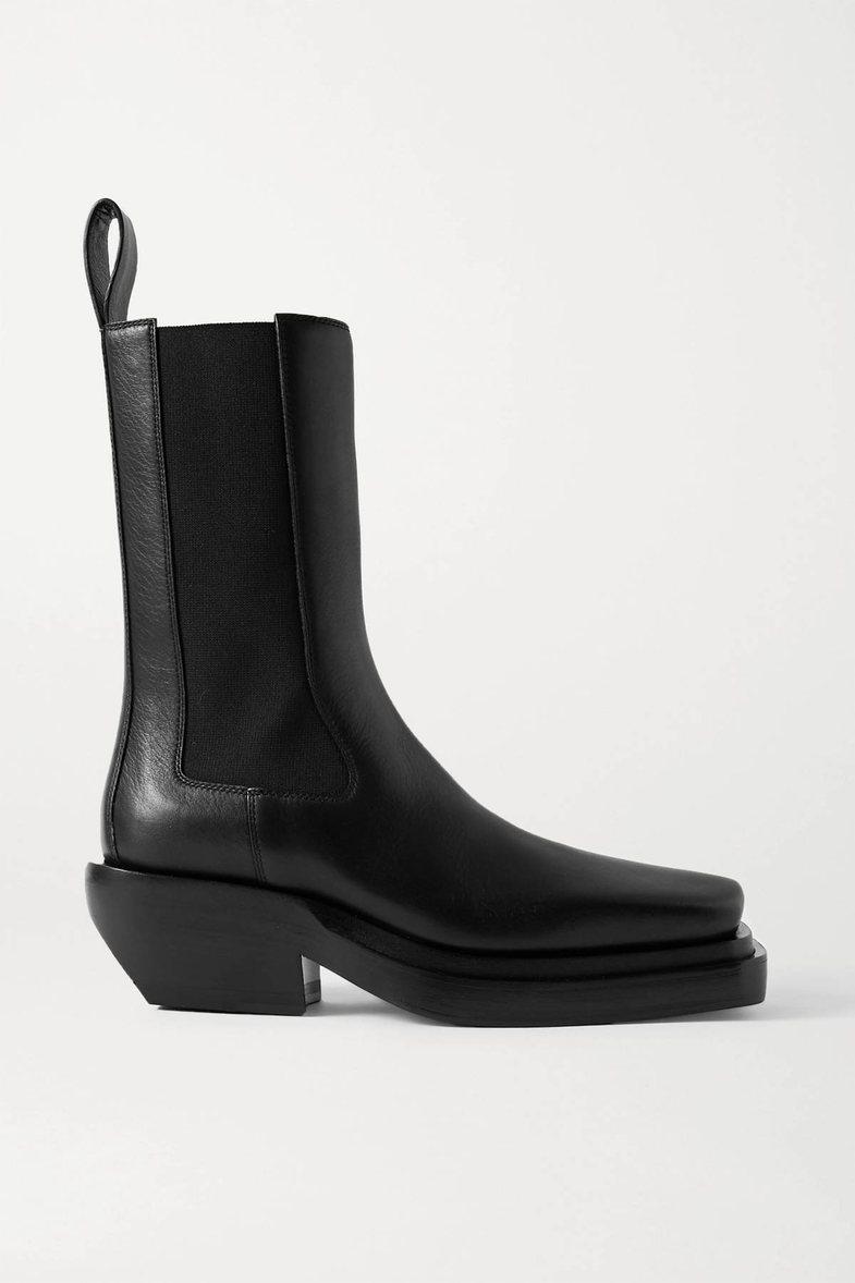 Në ditë me shi, shohim për çizmet më yll të