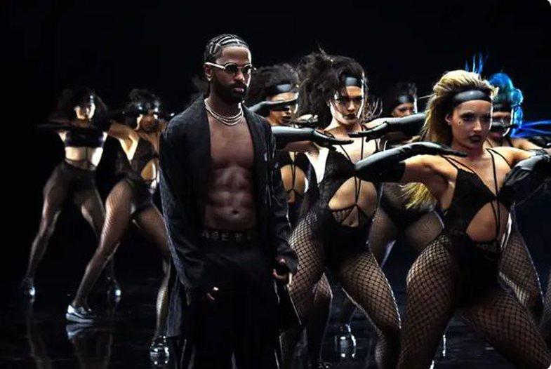 Rihanna sjell VIP-at sipas mënyrës së saj: Më egër se